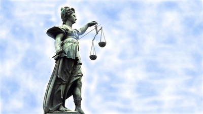 Lupo Justitia klein